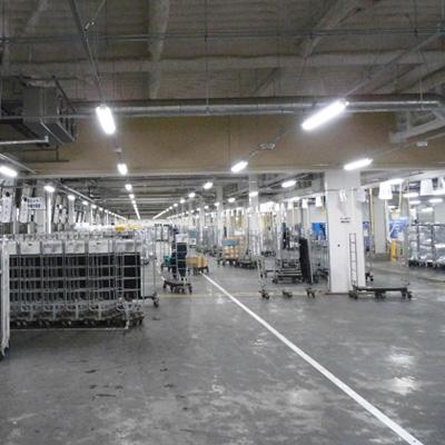 広い倉庫内の移動
