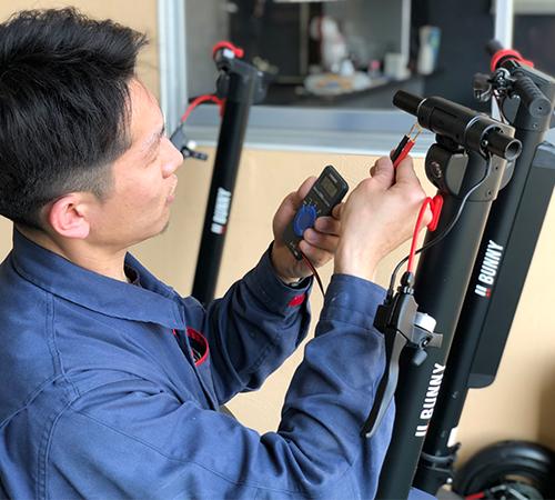 キックボードや自動車・電子回路に詳しい専任スタッフが親身にサポート対応
